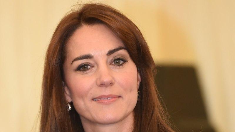 Kas hertsoginna Catherine lõikas juuksed lühemaks kuninganna käsul?