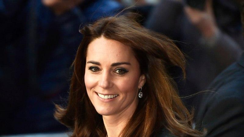 FOTOD   Hertsoginna Catherine näitas lühemaid juukseid