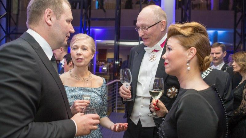 ÕHTULEHE VIDEO: Romantiline minister Urmas Kruuse: mu naine on kaunis minu jaoks igal hetkel