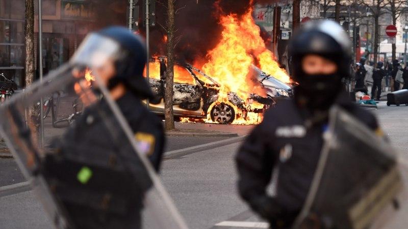 GALERII: Frankfurdi mässulised ähvardavad Euroopa Keskpanga uut peakorterit