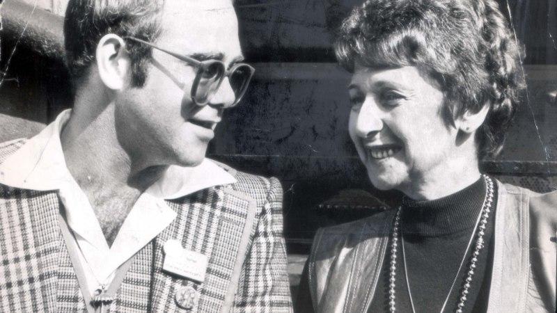 Eltoni ema kutsus oma juubelile poja teisiku