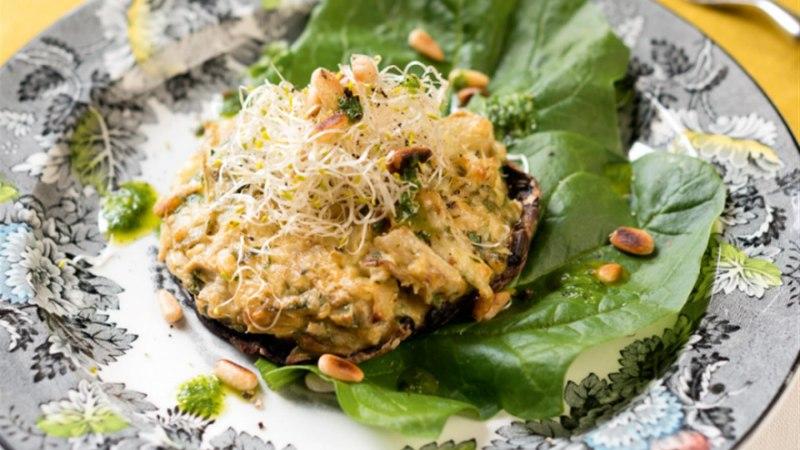 Ahjus küpsetatud portobello-seened artišoki-Parmesanitäidisega
