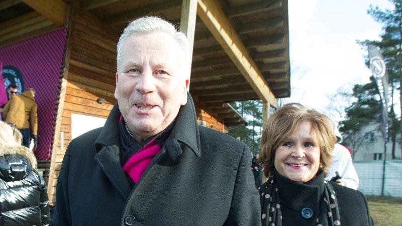 Arvo Sarapuu andis naisele valimisteks raha