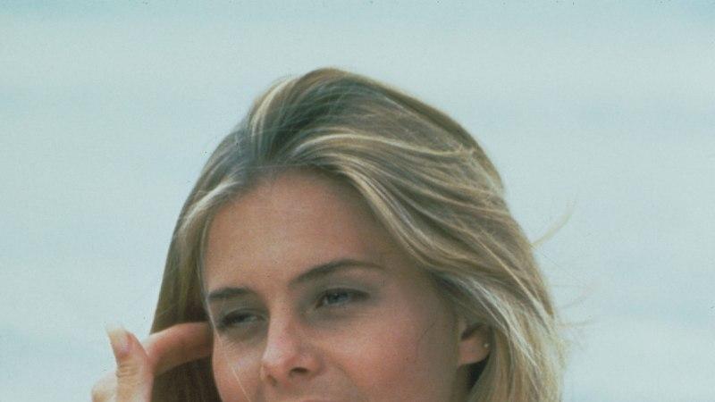 """""""Rannavalve"""" staar Nicole Eggert pidas oma rindu ekslikult suuremaks, kui need tegelikult on"""