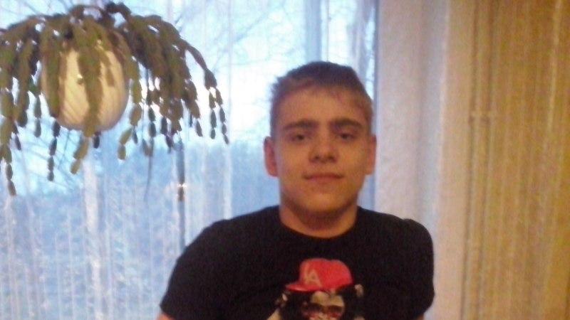 Raske liikumispuudega 15-aastane noormees saab Lastefondi toel ravi Saksamaal