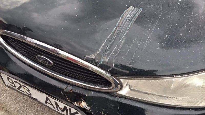 KASSIIR POERAMMIMISEST: alul nägin ostjate silmis hirmu, siis läbi klaaside tulevat autot!