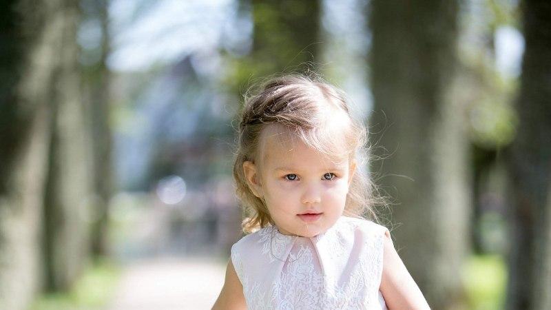 Lastefond toetab haruldase haigusega pisitüdruku ravireisi Saksamaale
