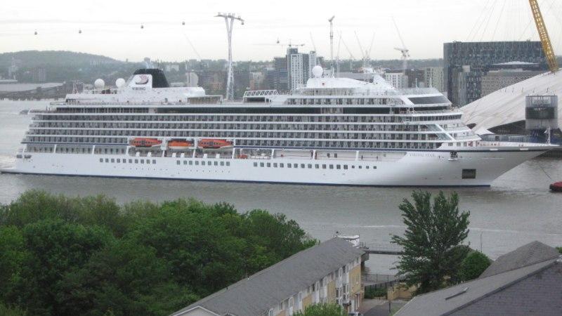 Luksuslik kruiisilaev on Tallinna sadamas lõksus