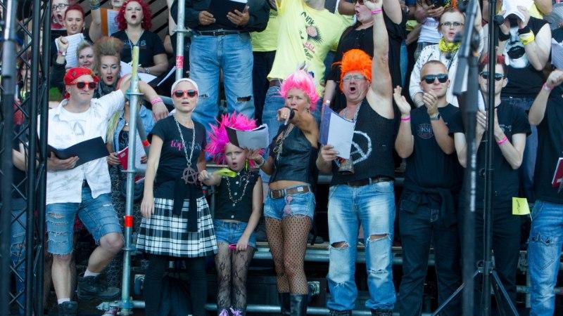 SUUR GALERII | Rakveres peeti maha kolmas, kirev ja lustlik Punklaulupidu