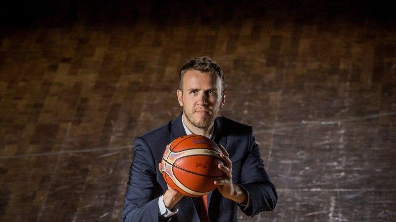 ŠARMANTSED FOTOD | Eesti korvpallikoondis sai ülišikid ülikonnad, mille õmblemiseks kulus 120 meetrit kangast