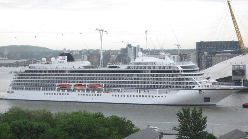 Rikkega Viking Star peab Tallinna sadama kai täna õhtuks vabastama