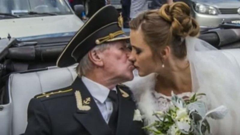 KIBE, KIBE! 84-aastane vene filmitäht abiellus 24-aastase kaunitariga
