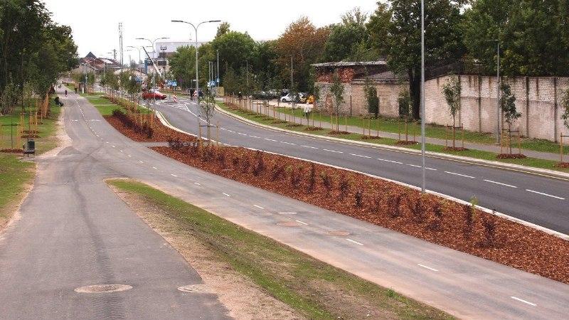 GALERII   Põhja-Tallinnas avati 6 miljonit eurot maksma läinud Kalaranna tänav