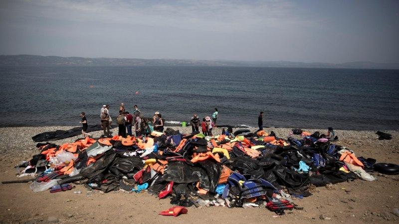 FOTOD JA VIDEO   Lesbosel puhkesid kokkupõrked migrantide ja märulipolitsei vahel