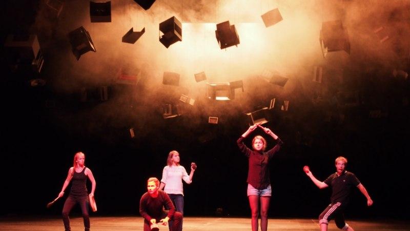ESMAKORDSELT EESTIS: 101 tudengit toovad teatrifestivalil lavale näitlejaelu argipäeva