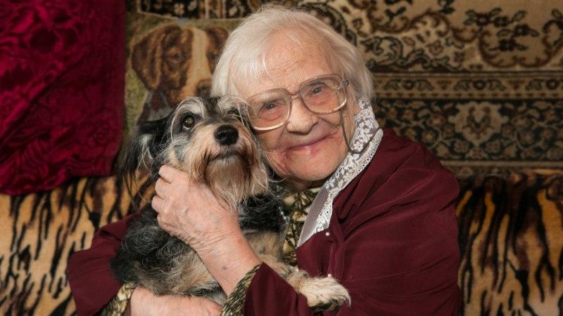"""102aastase tartlanna pikaealisuse saladus: """"Vihastada ei tohi ja rammusat toitu peab sööma."""""""