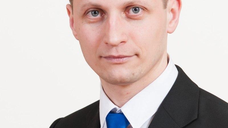 Purjus peaga kändudesse kihutanud riigikogulane Dmitrjev on endiselt haiguslehel