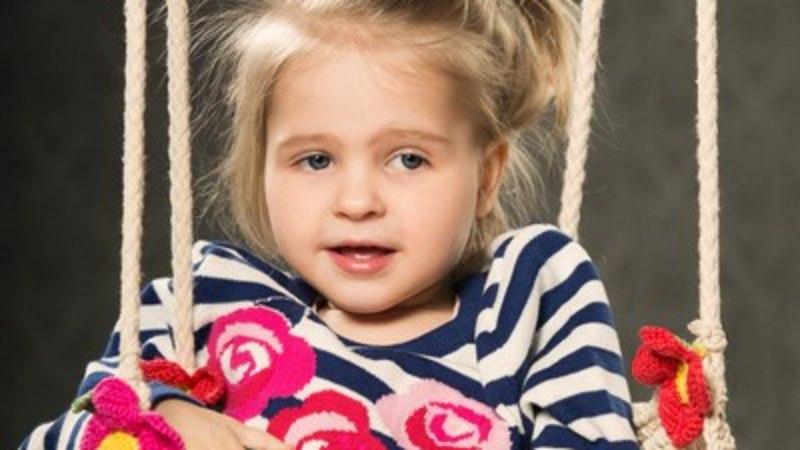 Lastefond jätkab haruldase haigusega Elly toetamist