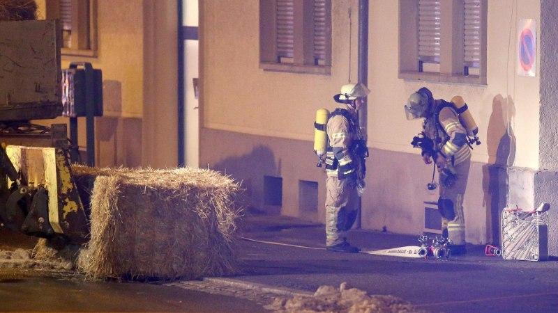 FOTOD   Lõuna-Saksamaa varjupaigataotlejate keskust visati granaadiga