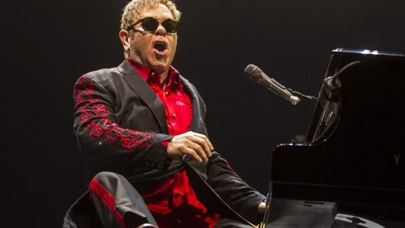 Trumpi äge vastane Elton laulab tema ametisse pühitsemisel?!