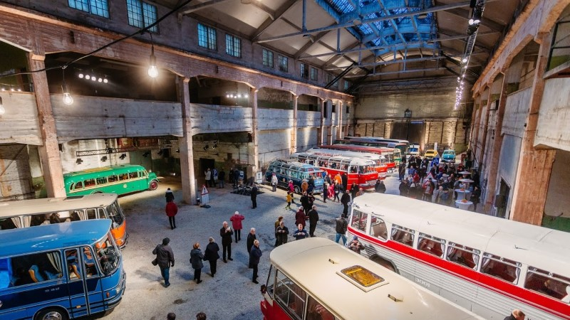 Смотри, в Таллинне проходит выставка редких ретро-автобусов
