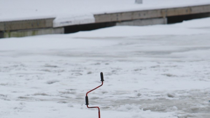 Kalamees vigastas end jääpuuri otsa kukkudes