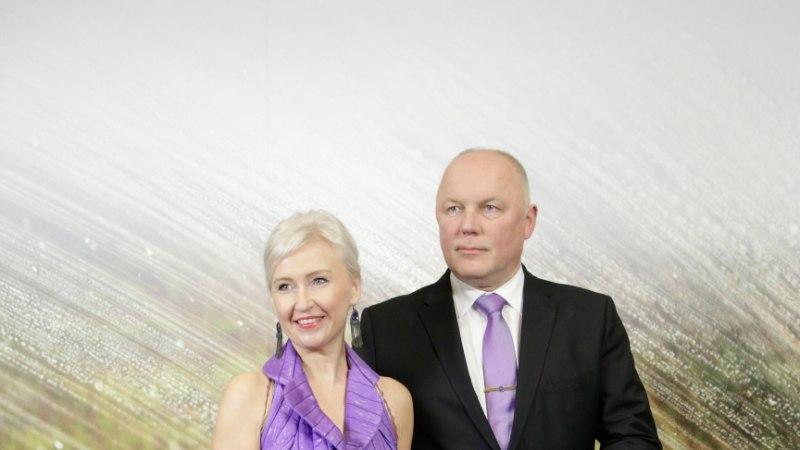 TV3 VIDEO   Anu Saagimi moešokk: presidendi vastuvõtu suurim ämber on olnud Kristiina Ojulandi tumelilla magamiskott