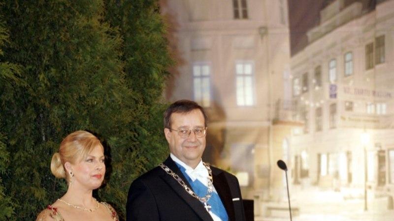 GALERII | VAADE MINEVIKKU: endise esileedi Evelin Ilvese ja president Toomas Hendrik Ilvese ühised presidendiballid