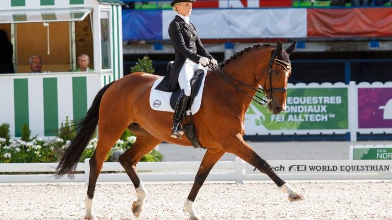 Hiljuti emaks saanud Eesti ratsutaja trotsis Hispaania tormis raskeid olusid, hobunegi ehmatas