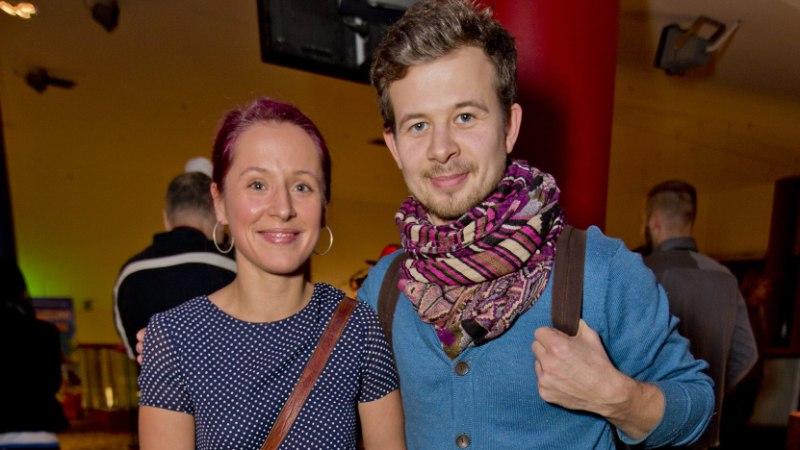 Jalmar Vabarna ja Sandra Sillamaa kihlusid