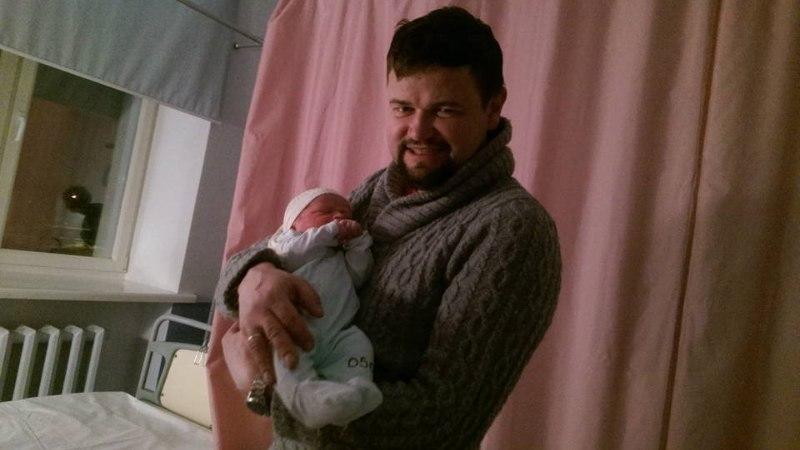 Manona ja Krister Paris said teise poja: nimeks pandi ilmakodanikule Robin