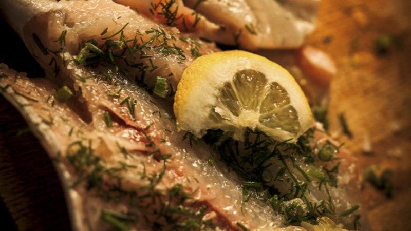 Aurutatud kala köögiviljadega