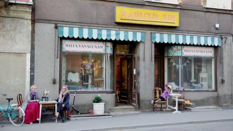 GALERII: Kuidas Karlova kohvikutepäeval kohvikut pidades teisi kohvikuid külastada? Tuleb ehitada liikuv kohvik!