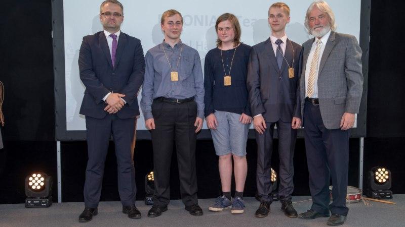 VÄGEV! Eesti koolinoored võitsid Euroopa Liidu loodusteaduste olümpiaadilt kulla ja kaks hõbemedalit