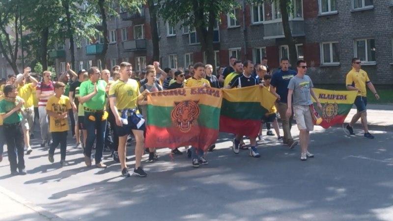 ÕHTULEHE VIDEO   Leedu fännid marssisid staadionile võimsa laulukõmina saatel