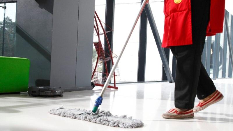 Kas 45aastane inimene on tõesti liiga vana ega sobi koristajakski?