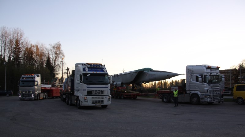 GALERII   Haruldane Vene hävituslennuk jõudis lennundusmuuseumisse