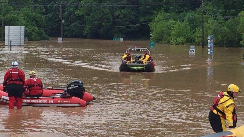 FOTOD | USAs on üleujutustes hukkunud mitukümmend inimest