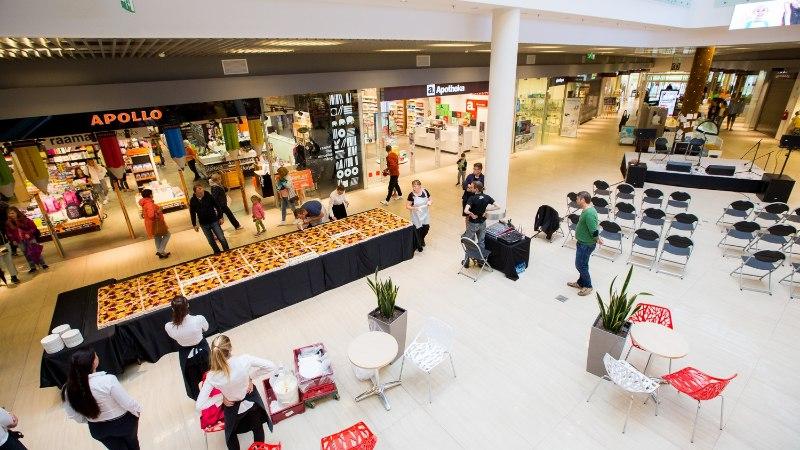 GALERII | Viimsi keskus tähistas esimest sünnipäeva 200kilose tordiga