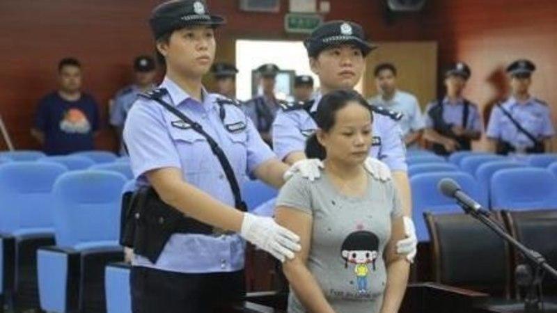 Hiinas hukati beebidega kaubelnud naine