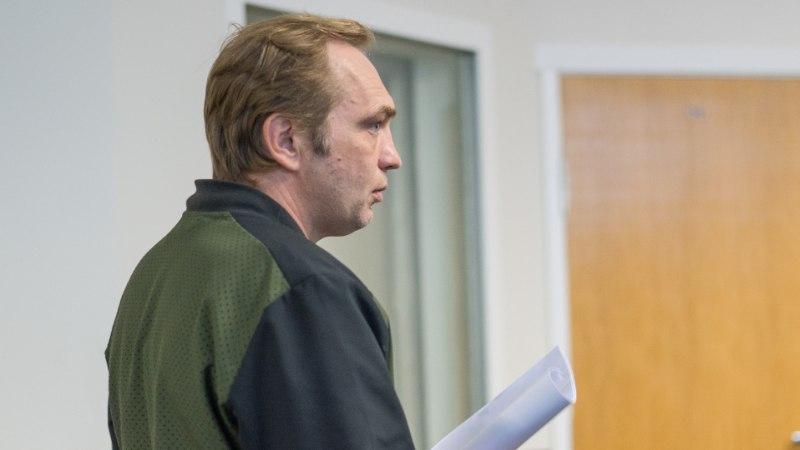 Mees ähvardas kohtutäiturit ja põgenes arestitud autoga