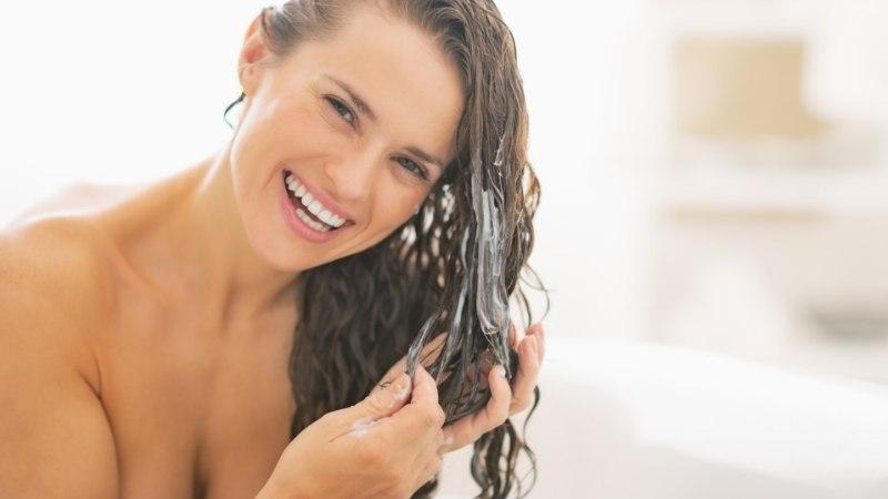 Muuda juuksed säravaks selle koduse detoxiga!