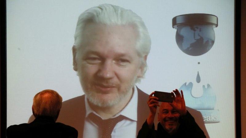 Assange: Trumpi kohta on komprat raske leida, Clinton õhutab makartistlikku hüsteeriat