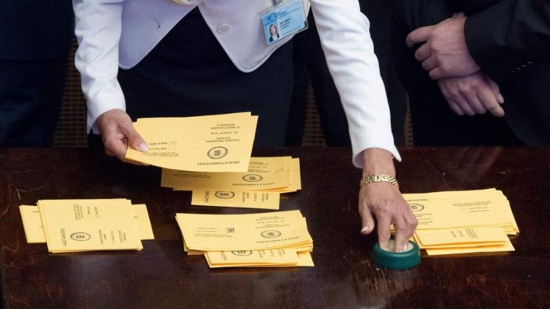 Indrek Tarand seab presidendivalimised kahtluse alla: riigikogulased vehkisid salajase hääletamise ajal pilte teha!