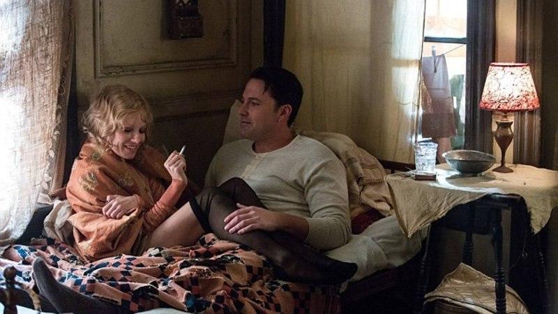 Ben Affleck on sillas: mees pidi uue filmi tarbeks koos Sienna Milleriga 9 tundi seksistseene filmima!