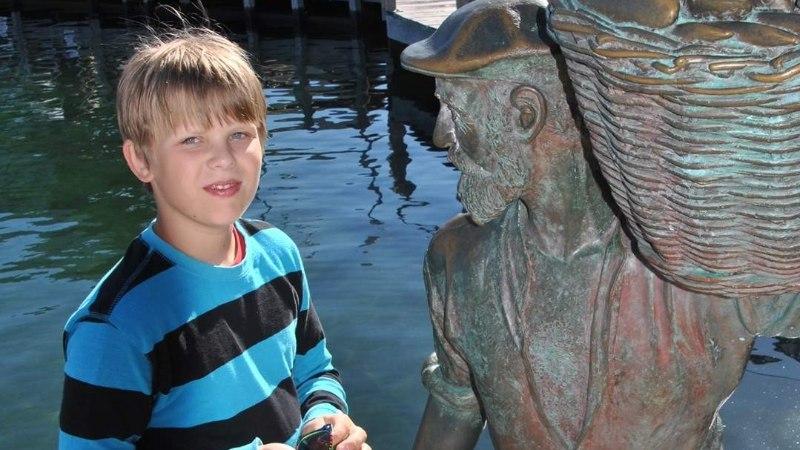 Geenimutatsiooniga poiss sai Lastefondi toel vajaliku abivahendi