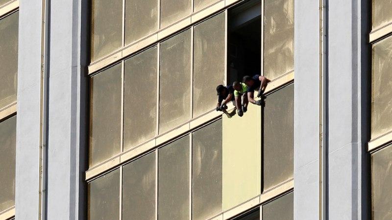 Stephen Paddock tulistas hotelli turvatöötajat esimesena