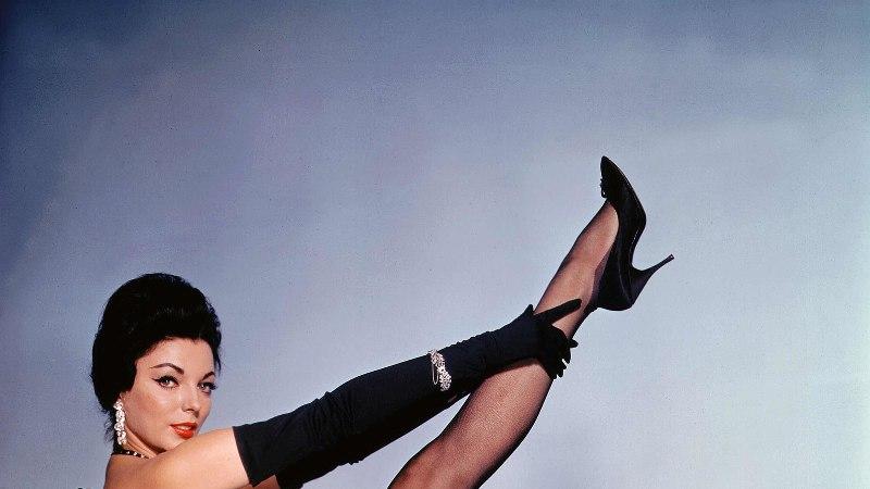 Joan Collins jäi Kleopatra rollist ilma, kuna ei maganud produtsendiga