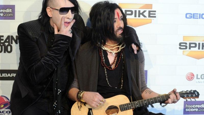 Marilyn Manson vallandas vägistamises süüdistatud bassimehe