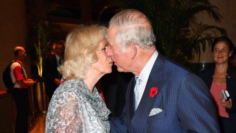 HARULDANE KLÕPS: prints Charles suudles avalikkuse ees oma naist!